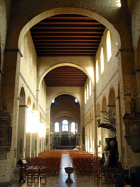 Nivelles   (Belgium),  St. Gertrude Collegiate church nave (XI/XIIIth centuries).