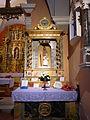 Notre-Dame-de-la-Gorge autel droite.jpg