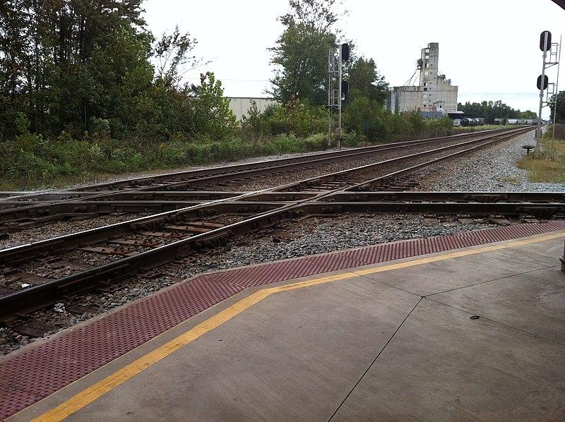File:Oct 2013 Amtrak Diamond at the depot - panoramio.jpg