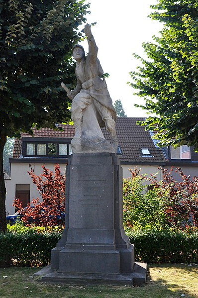 War monument A. Baggen, built in the interwar period. Designed by Alfons Lambert Baggen. Location: Vrijwilligersstraat, Edegem, Province of Antwerp, Belgium.