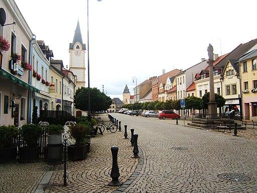 Ostrov nad ohri marktplatz