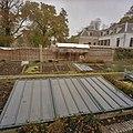Overzicht koude bakken en oude broeiramen, fruitmuur met latwerk in restauratie - Beesd - 20404810 - RCE.jpg