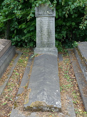 Owen Jones (architect) - Monument, Kensal Green Cemetery