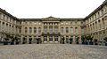 P1010239 Picardie, Compiègne, la Cour d'honneur du château (1751-1789) (8381358282).jpg
