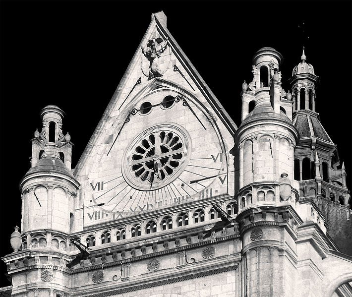 File:P1300431 Paris Ier eglise St-Eustache transept sud cadran bw rwk.jpg
