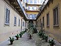 Palazzo al canto di sant'anna, cortile 02.JPG