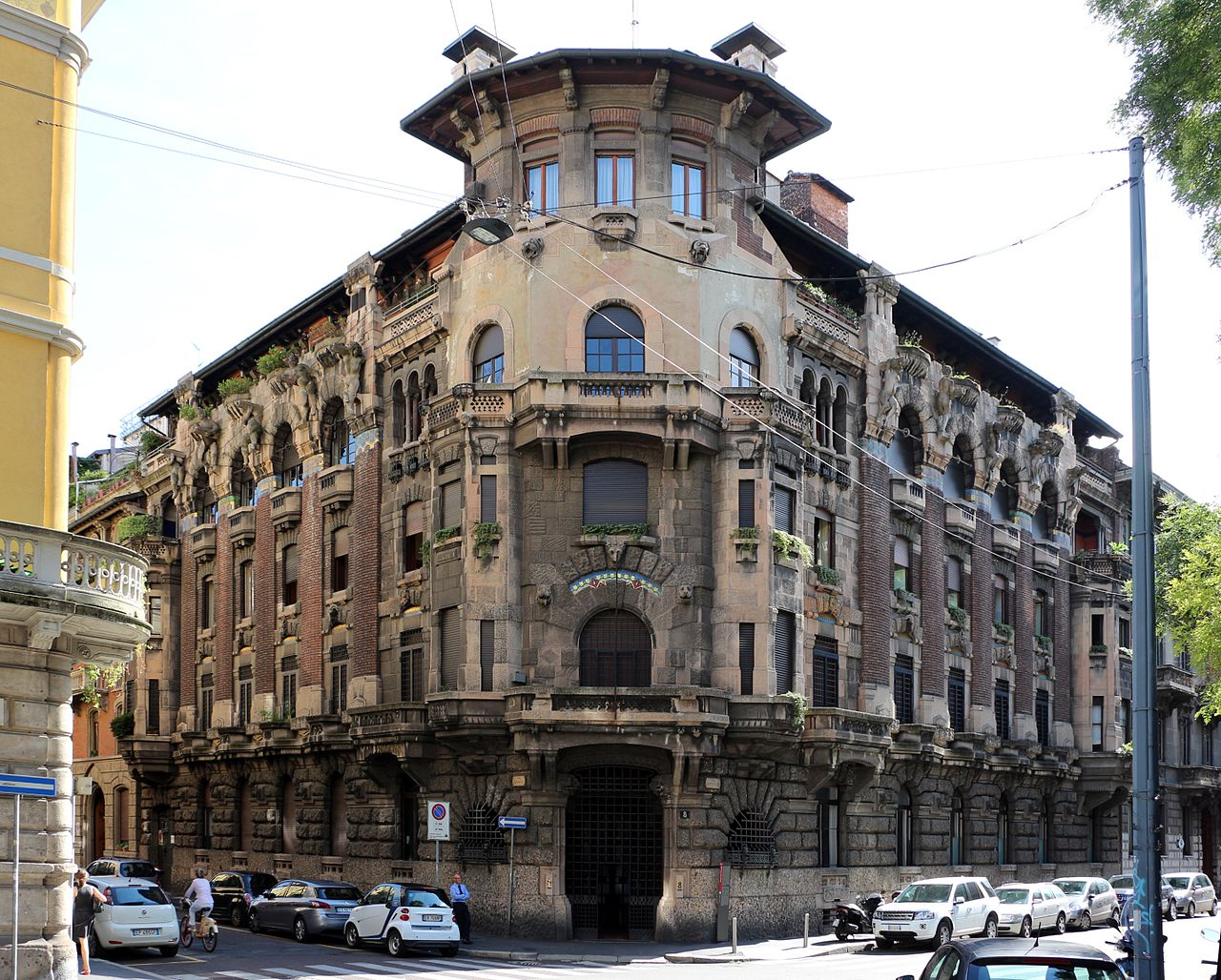 Palazzo berri-maregalli, di giulio ulisse arata, 1911-13, 01.jpg