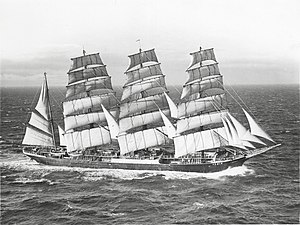 Grain race - ''Pamir'' at the entrance to the English Channel.