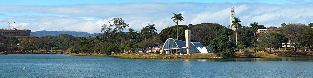Igreja de São Francisco de Assis, vista do lago
