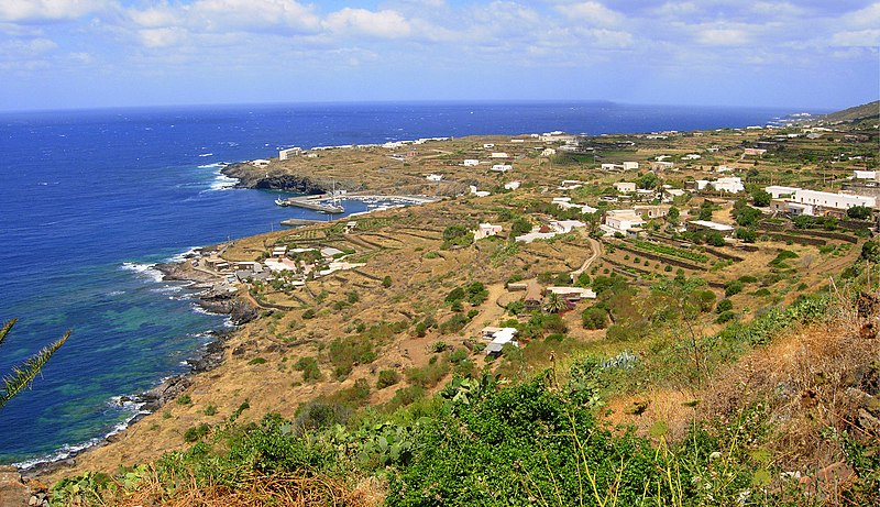 File:Pantelleria sulla Costa.jpg