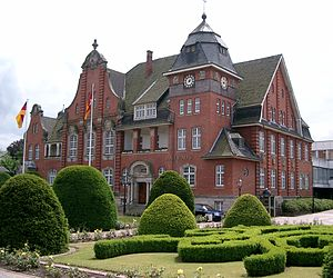 Papenburg - City hall in 2004