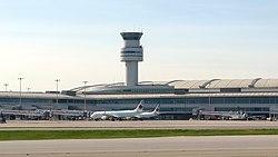 Pearson International Airport, Toronto (506136) (26205931012).jpg