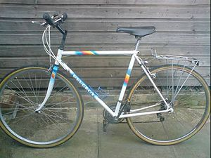 Peugeot X80 Series - Peugeot X82 with rear rack attached.