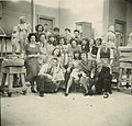 Photo of sculpture class of Ossip Zadkine at the Art Students League of NYC, 1943-44.jpg