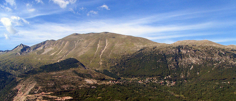 Archivo:Pindus Mountains 02 bgiu.jpg