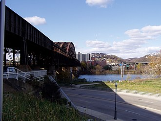 Fort Wayne Railroad Bridge - Image: Pittsburgh Fort Wayne Railroad Bridge