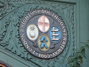 London, Brighton and South Coast Railway - Image: Plaque on the (western) railway bridge over Battersea Park Road, SW8