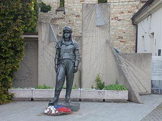 Statue of Milan Rastislav Štefánik, Prague - The statue in 2013