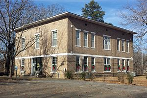 Prairie County Courthouse, De Valls Bluff, AR 001.jpg