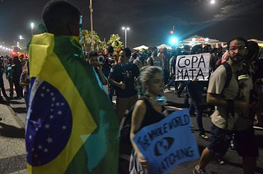 Protest against the World Cup in Copacabana (2014-06-12) 14.jpg