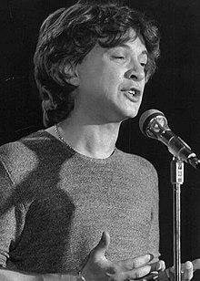 Pupo nel 1980 durante un concerto