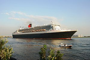 Queen Mary 2 Cruise Ship.JPG