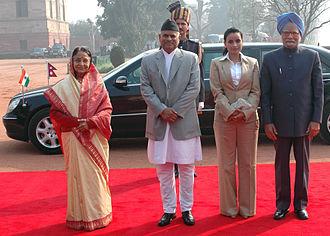 Ram Baran Yadav - Ram Baran Yadav and Anita Yadav with the President of India, Pratibha Devisingh Patil and the Prime Minister, Manmohan Singh