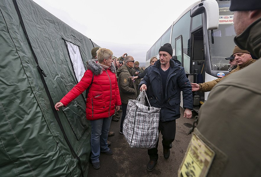 Return of liberated citizens to the territory controlled by Ukraine (2019-12-29) 036.jpg