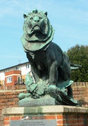 William Reid Dick - Image: Rickmansworth Lion and Eagle 2 1