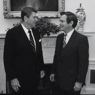 Edwin G. Corr - Ronald Reagan and Corr in the Oval Office in 1981