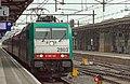 Roosendaal E186 125 met BeNeLux in stromende regen Den Haag HS (9464329670).jpg