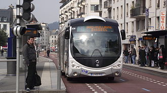 Guided bus - An optically guided TEOR bus in Rouen