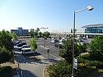 Ruzyně, letiště, parkoviště B, z mostu (01).jpg