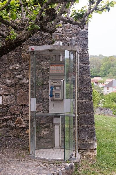 France Télécom téléphone booth, Church's place, Saint-Lizier.