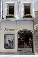 Salzburg - Altstadt - Getreidegasse 22 Kirchtag - 2019 07 26 - Laden b.jpg