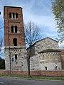 San Michele degli Scalzi Abside e torre campanaria.jpg