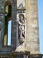 Senlis (60), ancienne église St-Pierre, statue de saint sur le clocher sud de 1592.jpg