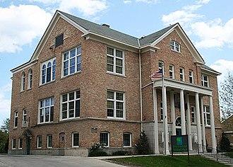 Shorewood, Wisconsin - Image: Shorewood Village Hall May 09