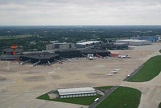 Hannover Airport - Image: Sikorsky S 76 KIK Kleidung D HSLA, HAJ Hannover (Langenhagen), Germany PP1157616686
