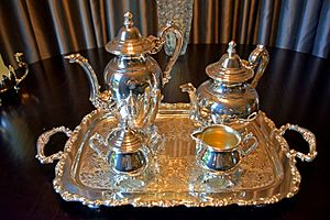 Oneida Limited - Silver plated tea service manufactured by Oneida