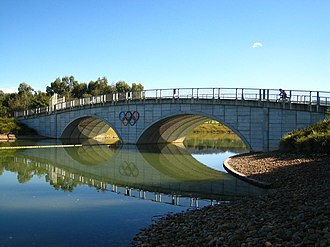 King's Cup (rowing) - Image: Sirc bridge
