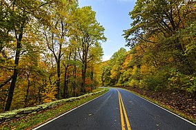 Skyline Drive in the Fall (21852619608).jpg