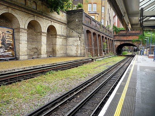 South Kensington Underground Station - geograph.org.uk - 1721410