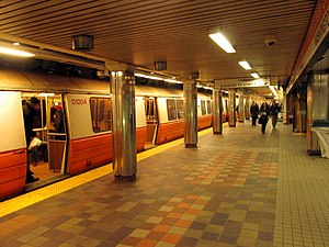 Downtown Crossing (MBTA station) - A southbound Orange Line train at Downtown Crossing