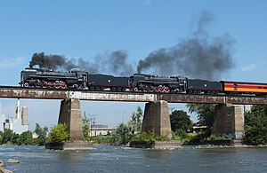 Beam bridge - Image: Steam Across Iowa River