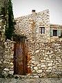 Stone house and courtyard door Susak.jpg