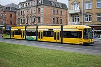 Straßenbahnwagen 2586 Dresden.jpg