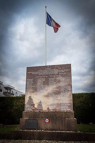 Hans-Joachim Lang - Image: Strasbourg cimetière israélite de Cronenbourg sépulture des 86 victimes du Pr Hirt