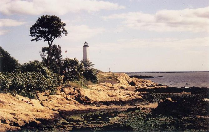 Five Mile Point Lighthouse in 1991