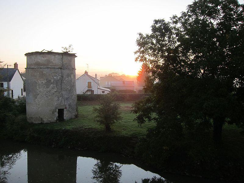 Sunrise over the Moat, Château Gerigny